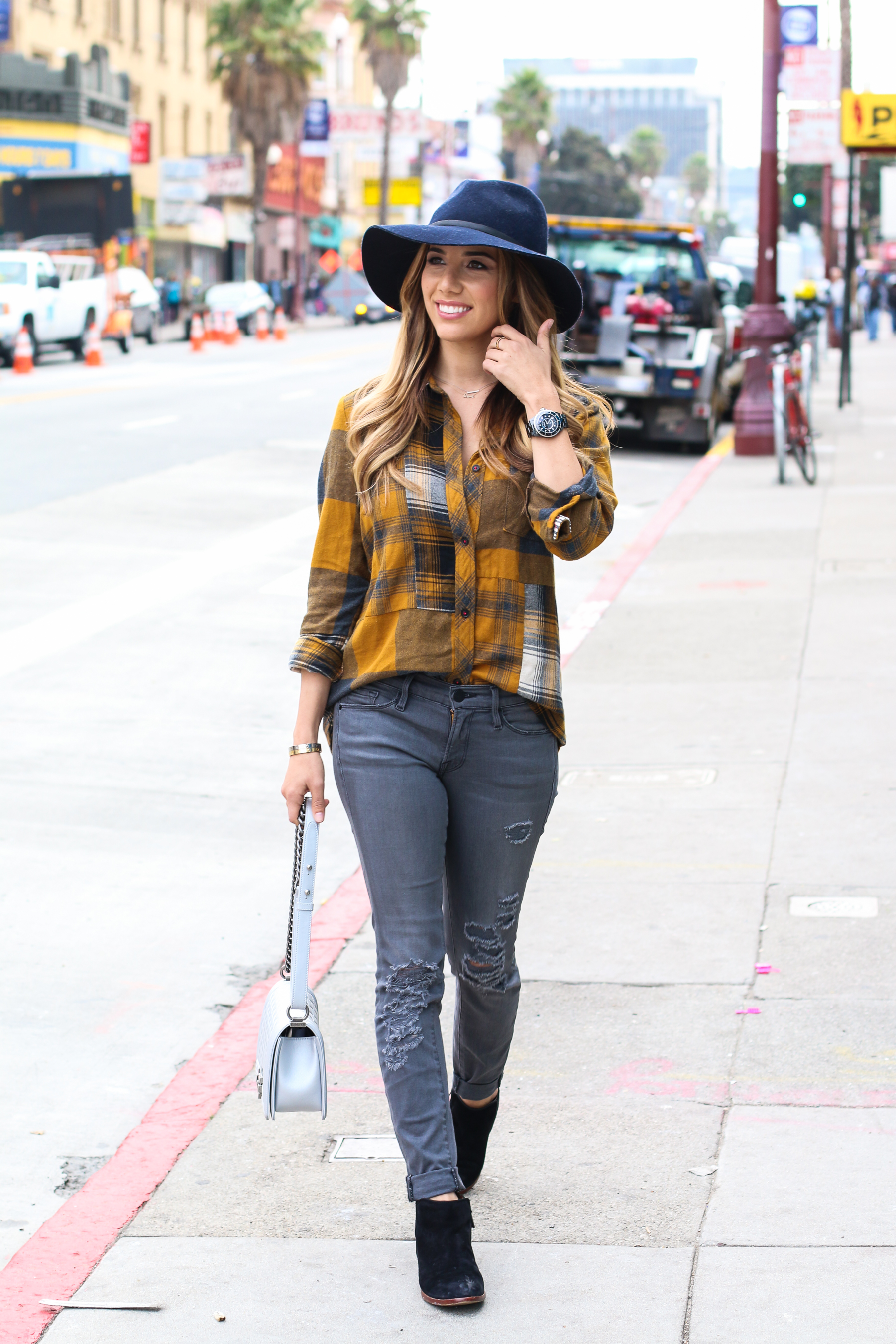 Ariana-Lauren-Fashion-Born-Blogger-Plaid-Shirt-Gray-Jean-Mission-District-San-Francisco-Photography-by-Ryan-Chua-6954