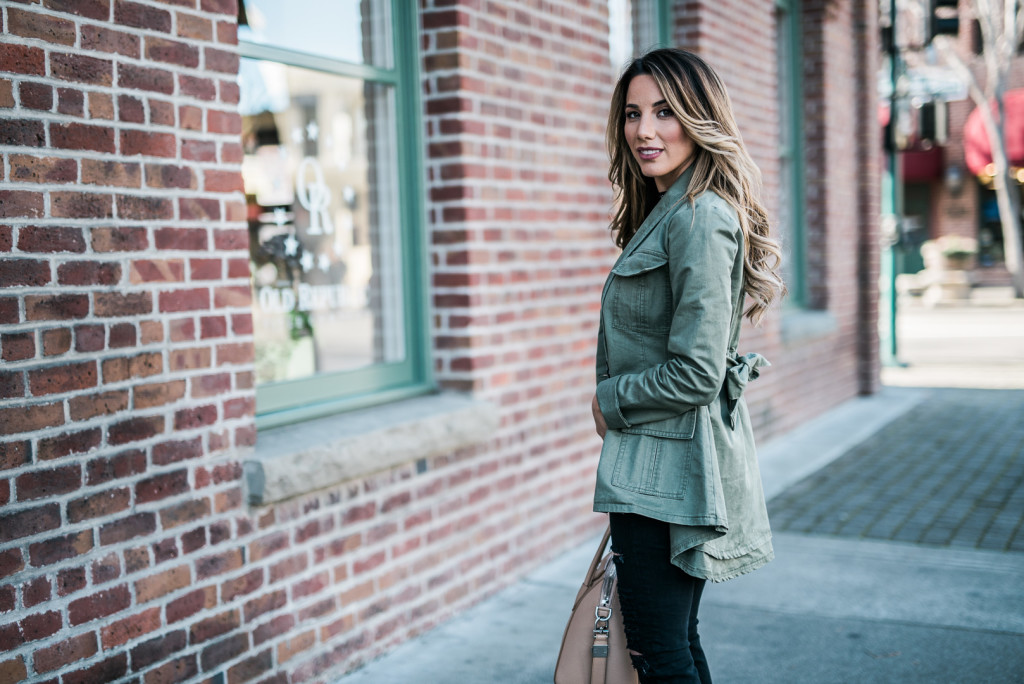 army vest and black jeans (4)